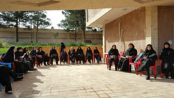 همایش سلامت روان با حضور بانوان شاغل در ادارات آران و بیدگل در پارک مهربانو برگزار گردید.